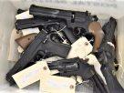 新冠病毒疫情期間 密州槍枝購買意願20年新高<br>專家提醒三思而行