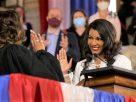 聖路易市首位非裔女市長Tishaura Jones宣誓就職
